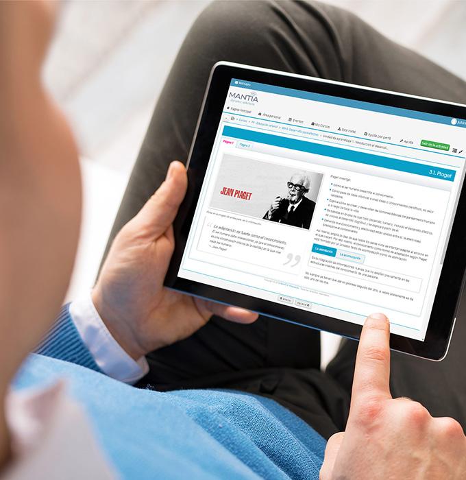 Contenido de un curso mostrado en una tablet